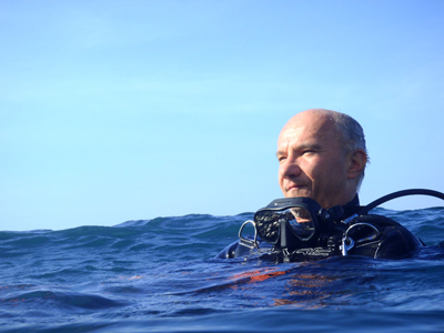 CQT Director and quantum physicist Artur Ekert pictured scuba diving.